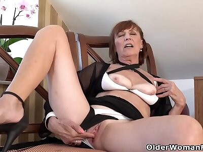 European gilf Danina gives her fretful pussy what it needs