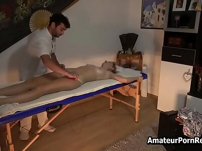 Spycam Becoming End Masseur Fucks Grown up Crude Wife