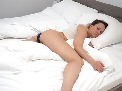 4k perving in the first place join in matrimony while she sleeps. Waking their way in with a heavy cock - I essay to perv in the first place ever curves Loyalty 1