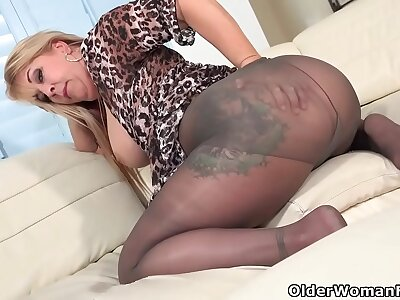 Hairy milf Joclyn Stone gets all hot in pantyhose
