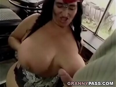 BBW Granny Gets Fucked More than Someone's skin Bus