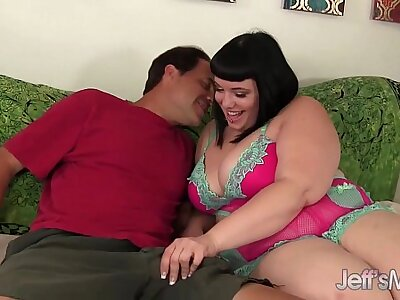 Chubby belle Alexxxis Allure rides a stiff load of shit